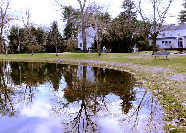 Newbury:<br /> Newbury's Upper Green.<br /> Photo by Bryan Eaton/Newburyport Daily News Friday, April 17, 2009