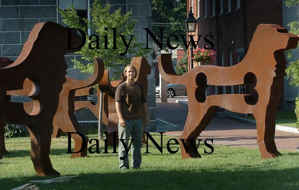 Newburyport: Artist Dale Rogers.  Bryan Eaton/Staff Photo  Newburyport News   Wednesday August 26, 2009.