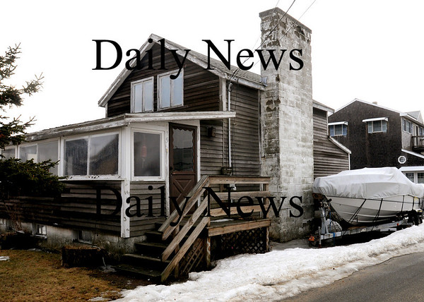 Newbury:<br /> Home at 5 14th Street on Plum Island is being foreclosed on.<br /> Photo by Bryan Eaton/Newburyport Daily News Thursday, February 19, 2009