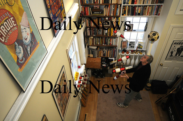 Newburyport: Reg Bacon juggles at his Newburyport home. Bacon worked his craft in the movie Pink Panther 2. photo by Jim Vaiknoras/ Newburyport Daily News. February 6 2009