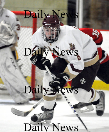 Newburyport: Newburyport's William Eiserman (6) races up the ice during last night's 3-1 win over Amesbury at the Graf Rink. Photo by Ben Laing/Newburyport Daily News Wednesday January 14, 2009.