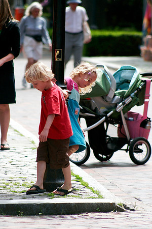 Newburyport: Ethan and Elizabeth Downs, of West Newbury, take a spin around the lamp post on Market Sqaure Tuesday  afternoon. Photo by Ben Laing/Staff Photo