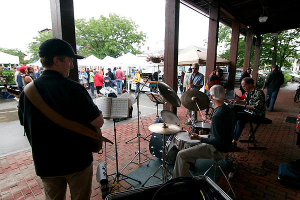 Newburyport: A jazz quartet played live music for the crowd at the farmer's market at the Tannery in Newburyport Sunday morning. Photo by Ben Laing/Staff Photo