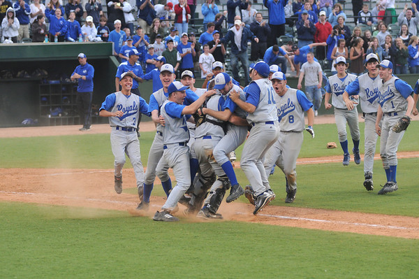Lynn: Georgetown celebrates their 2-1 victory over North Reading at Fraser Field in Lynn. Jim Vaiknoras/staff photo