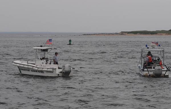 Salisbury: Newburyportr Harbor Patrol searches the waters off the North Jetti in salsibury.Jim Vaiknoras/Staff photo