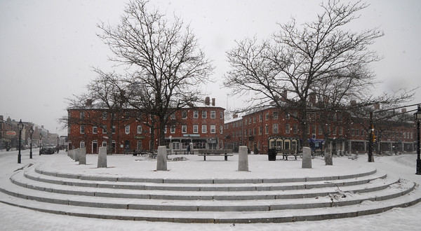 Newburyport: A snowy, quiet Market Square Sunday morning was a not so welcome first day of March.photo by Jim Vaiknoras, Newburyport Daily News, Saturday February 28, 2009