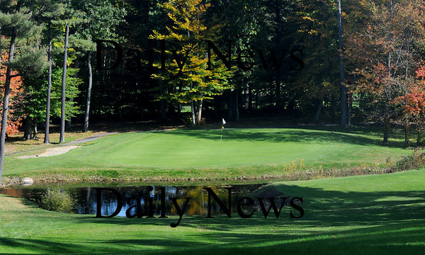 Boxford: The 9th hole at the Hawk at Far Corner Golf Course.Jim vaiknoras/staff photo