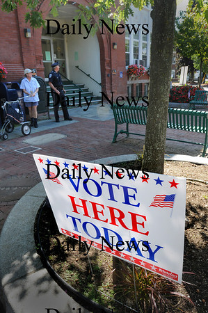 Amesbury: Voting was light in Amesbury's mayoral primary yesterday. Bryan Eaton/Staff Photo Newburyport News Tuesday September 15, 2009.