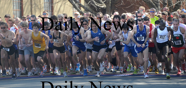 Salsibury: A record field take off at the start of the 29th annual April Fool's Raod Race in Salisbury Saturday. Jim vaiknoras/Staff photo