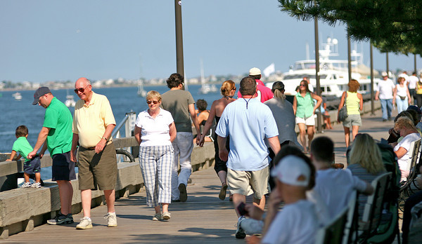 Newburyport: The boardwalk was packed Tuesday afternoon in downtown Newburyport as the nice weather brought people out to enjoy the sunshine. Photo by Ben Laing/Staff Photo