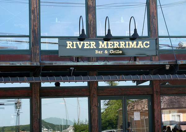 Newburyport: A note hangs in the window at the River Merrimack Bar and Grille thanking their patrons for their support after the restaurant closed recently. Photo by Ben Laing/Staff Photo