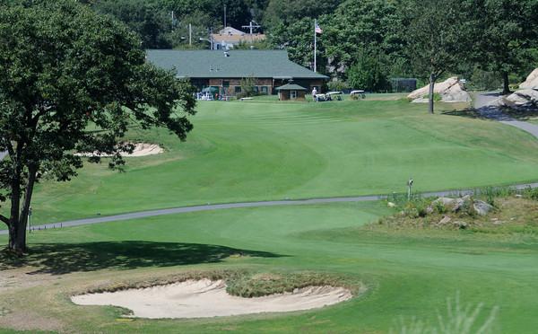 Peabody: The 18th hole at The Meadow in Peabody, playing 447 from the tips. Jim Vaiknoras/Staff photo