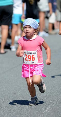 Newburyport: in the women's 15 and under heat in the High Street Mile . Jim Vaiknoras/Staff photo