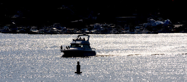 Amesbury: A boat makes it's way down river past Salisbury Point in Amesbury late Thursday afternoon.Jim Vaiknoras/Staff photo