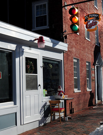 Newburyport: The Stoplight Cafe on Middle Street in Newburyport. Bryan Eaton/Staff Photo