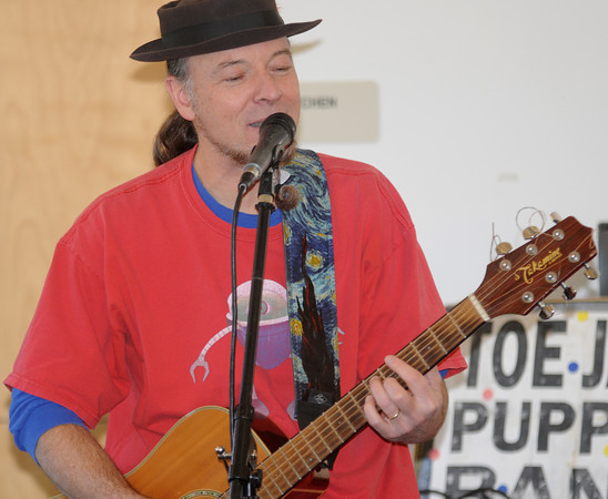 Newbury: The Toe Jam Puppet Band performs at the Newbury Library Saturday morning. Jim Vaiknoras/Staff photo