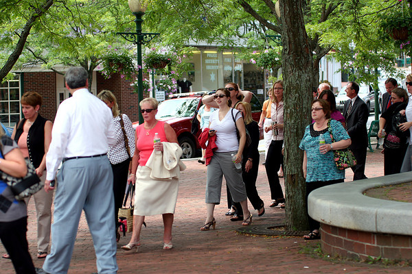 Amesbury: Employees from the Provident Bank on Market Street in downtown Amesbury are allowed back into the bank after a bomb threat caused an evacuation Monday morning. Photo by Ben Laing/Staff Photo