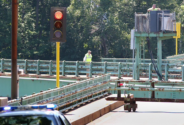 Amesbury: The Hines bridge in Amesbury was closed Monday morning as it was stuck open after allowing a boat to pass through. As a result traffic was backed up along both sides of the bridge. Photo by Ben Laing/Staff Photo