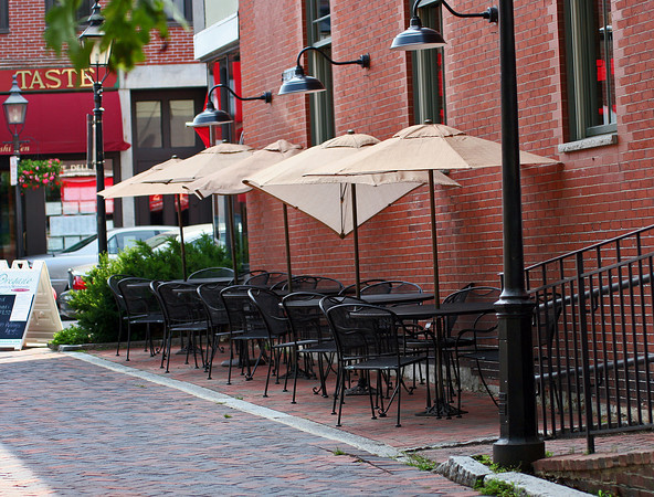 Newburyport: Oregano's in downtown Newburyport will now be able to serve alcohol at their out door seating, after the City Council voted the measure approved Tuesday morning. Photo by Ben Laing/Staff Photo