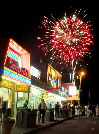 Salisbury: The Fourth of July fireworks explode over Salisbury Beach on Saturday night. Bryan Eaton/Staff Photo