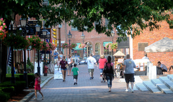 Newburyport: Shadows cross Inn Street  on a hot Friday afternoon in Newburyport. Jim Vaiknoras/Staff photo