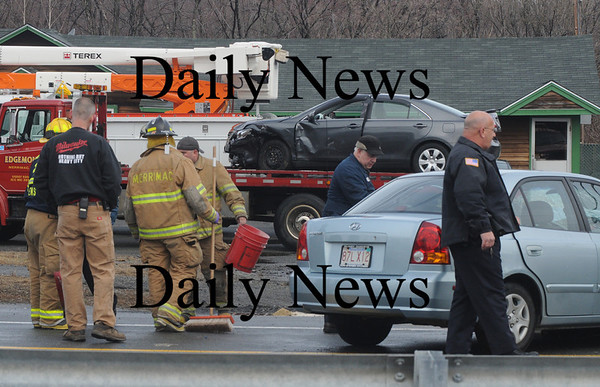 Merrimac: The scene of an automoble accedent on Main Street in Merrimac Friday morning. Jim Vaiknoras/Staff photo