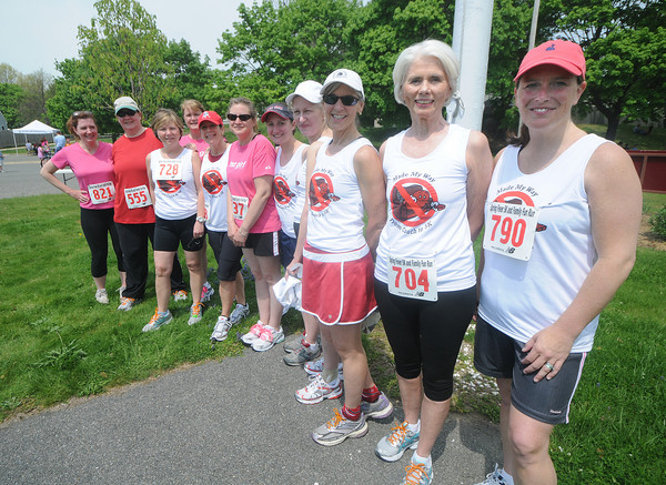 Newburyport: A group of novice runners  participatie in Spring Fever 5K at the Bresnahan School in Newburyport after going through Nancy McCarthy's Couch to 5K program.<br /> Jim Vaiknoras/Staff photo