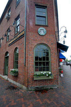Newburyport: Best Coffee. Starbucks