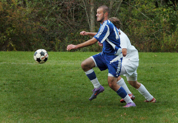 Amesbury: Georgetown's Ryan Browner in action against Amesbury. Bryan Eaton/Staff Photo