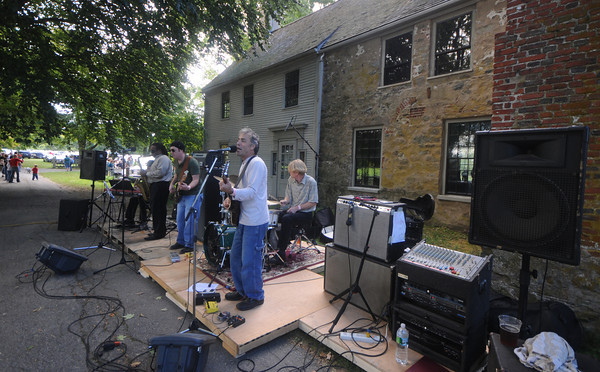 Newbury:  The Orville Giddings Band perform at the Ipswich Ale Fall Fest Saturday at the Spencer-Peirce Little Farm in Newbury. Along with music and beer the event featured crafts, a tour of the property and Vintage Base Ball Games. Jim Vaiknoras/Staff photo