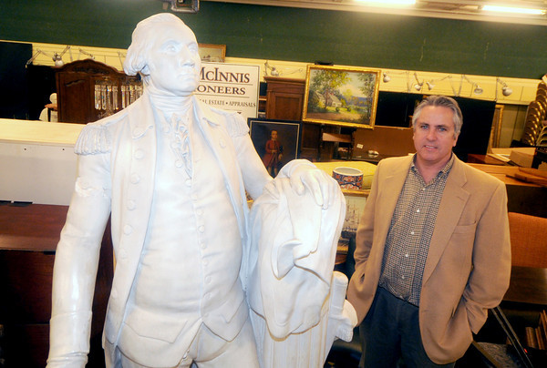 Amesbury: Auctioneeer John McInnis. Jim Vaiknoras/Staff photo