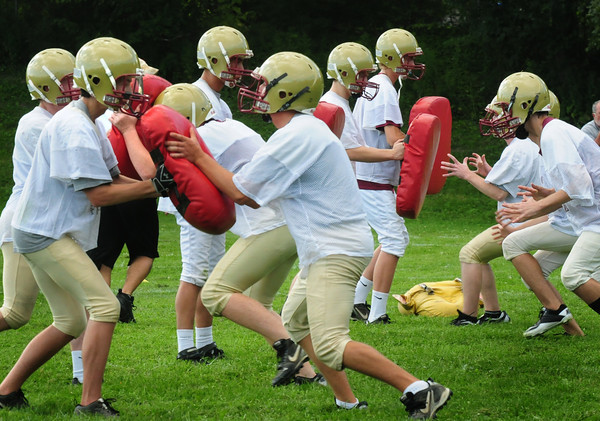 Newburyport: Newburyport High varsity football team practices behind  the Nock Middle School. Bryan Eaton/Staff Photo