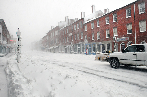 Newburyport: State Street in Newburyport was devoid of the usual foot traffic during the mid-morning hours during yesterday's storm. Bryan Eaton/Staff Photo