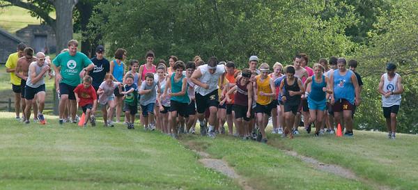 newburyport: Runners take off at the weekly cross country race at Maudslay State Park in Newburyport. JIm Vaiknoras/Staff photo