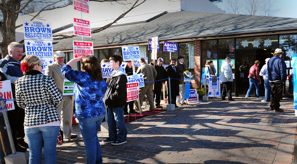 Seabrook: Tuesday's nice weather brought a fair amount of voters to the Seabrook town election. Bryan Eaton/Staff Photo
