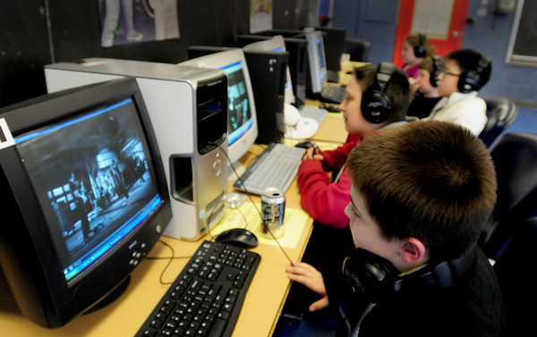 """Salisbury: The Boys and Girls Club of the Lower Merrimack Valley have launched an anti-bullying campaign. It is an interactive computer program called,<br /> """"Bullying... It Really Hurts"""" and has videos, set to music which helps to keep the children interested. Bryan Eaton/Staff Photo"""