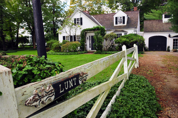 Newburyport: The Lunt home on Newbury's Upper Green is to be auctioned. Bryan Eaton/Staff Photo