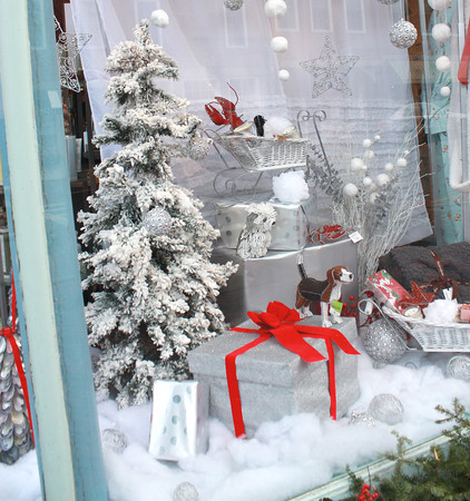 Newburyport: Soap on State Street decorated for the Christmas. Jim Vaiknoras/staff photo