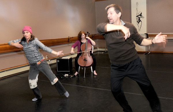 Newburyport: Kristen Miller rehearses at the Dance Place for a performance for Women's History Month at the Actors Studio. Performaning with her are dancers Billbob Brown and Meg Van Dyke. Jim Vaiknoras/staff photo