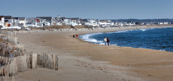Salisbury: View of Salisbury Beach looking north from the Pavillion. Bryan Eaton/Staff Photo