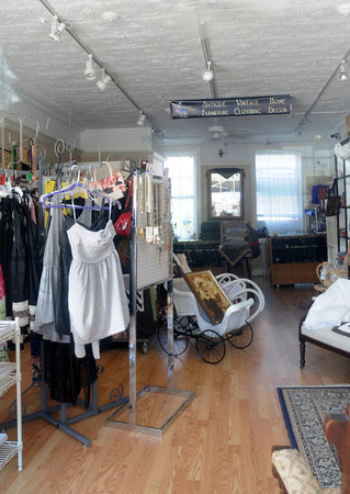Newburyport: View inside the Vintage Diva on Pleasent Street, the owner is suspected of using the store to sell stolen good. Jim Vaiknoras/staff photo
