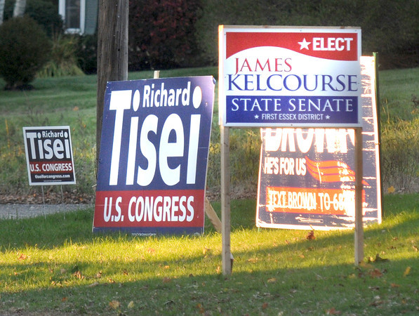 Newburyport: Signs for rebublican candidates in Amesbury along Main Street. Jim Vaiknoras/staff photo