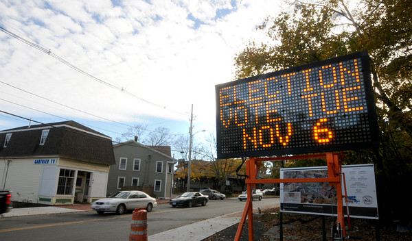 Amesbury: A sign on Elm Street in Amesbury reminding people to vote Tuesday. Jim Vaiknoras/staff photo