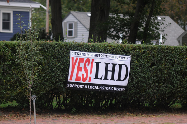 Newburyport: A sign on High street in Newburyport in support of the Local Historic District. Jim Vaiknoras/staff photo