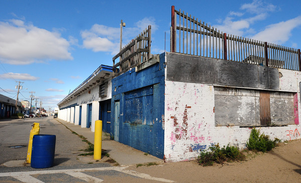 Salisbury: The former Sidewalk Cafe at Salisbury Beach. Bryan Eaton/Staff Photo