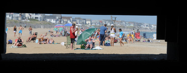 Salisbury: Beach goers get a last taste of summer on Salisbury Beach this weekend. Jim Vaiknoras/staff photo