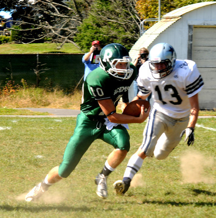 West Newbury: Pentucket's Ryan Kucharmakes a move during the Sachem's game at home against Hamilton Wenham Saturday. Jim vaiknoras/staff photo