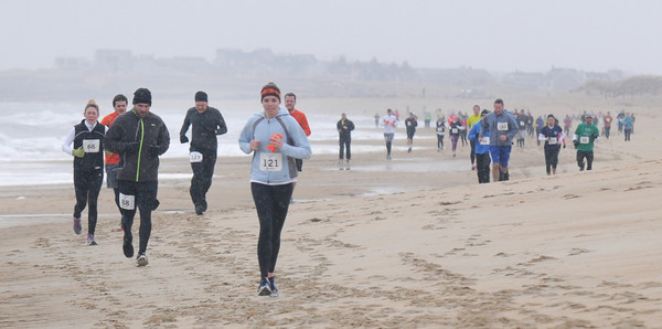 Salisbury: Runner head up Salisbury Beach in the Frosty Knuckle 5k Saturday morning, JIm Vaiknoras/staff photo
