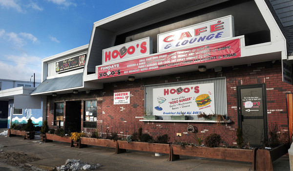 Salisbury: Questions are still unanswered in the closing of the Hobo Cafe at Salisbury Beach. Bryan Eaton/Staff Photo