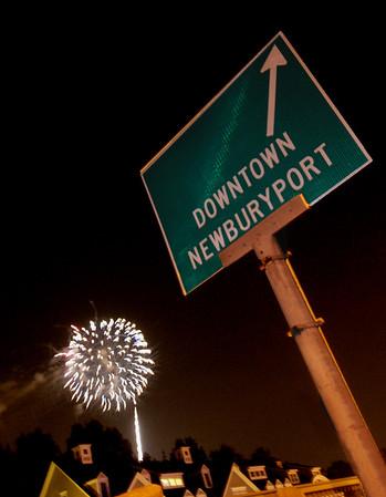 Newpuryport: The annual Yankee Homecoming fireworks explode over Rt 1 in Newburyport Saturday night. Jim Vaiknoras/staff photo August 4, 2012